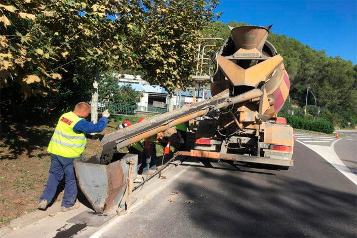 Concrete mixer lorry